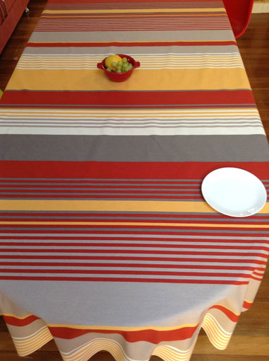 Basque tablecloth with red and yellow stripes