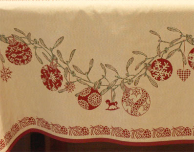 Christmas tablecloth with for 10 to 12 seater table