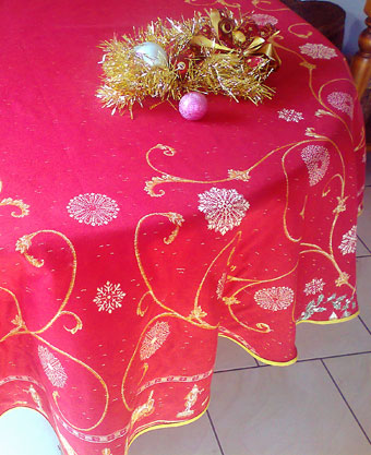 round Christmas tablecloth