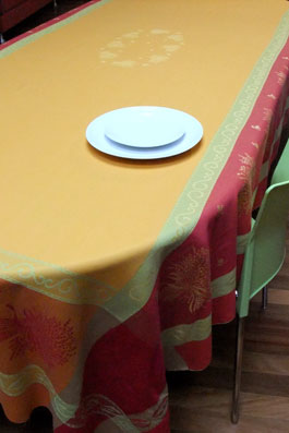 lavender design 10 seater french jacquard tablecloth
