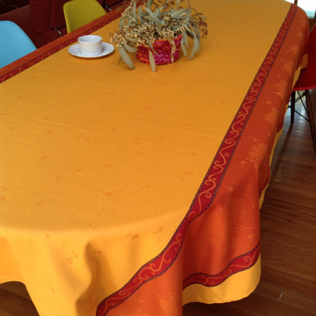 French Jacquard cotton tablecloth with lavender design