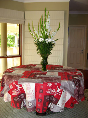 90in round christmas design tablecloth