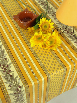 olive design tablecloth