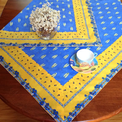 Merveilleux Provence Tablecloth With Blue Cicada And Yellow Border