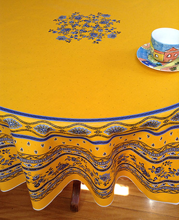 Marvelous Large Round Provencal Tablelcloth With Plastic Coating