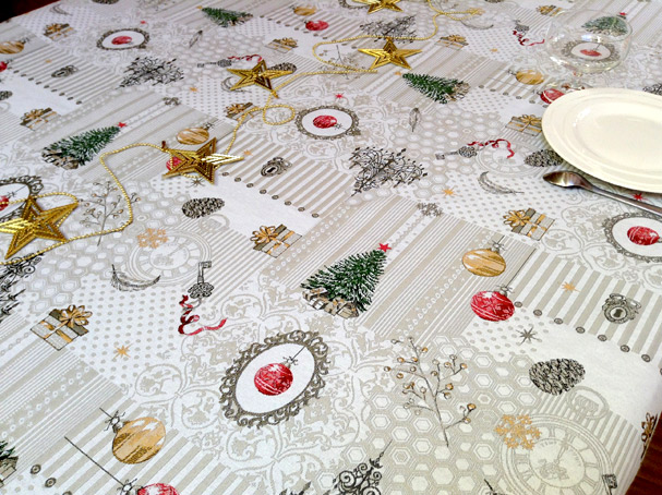 Beautiful Christmas Design Tablecloth With Fir Trees And Baubles